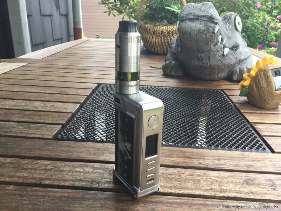 Steampipes Corona V 8 auf Paranormal DNA 250 C